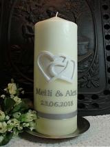 Individuelle Hochzeitskerze Marlies mit Herzen