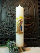 Taufkerze Lea mit behütendem Engel