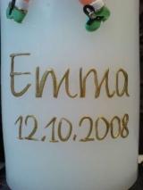 Beschriftung mit einem Namen und einem Datum